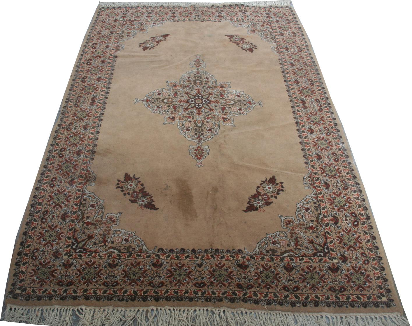 Antique moroccan matto
